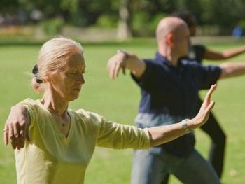 Йога для пациентов с болезнью Паркинсона
