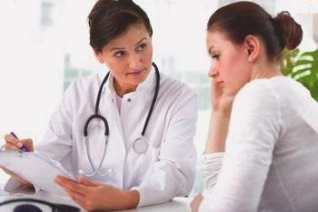 Скованность при болезни Паркинсона: основные характеристики и причины симптома